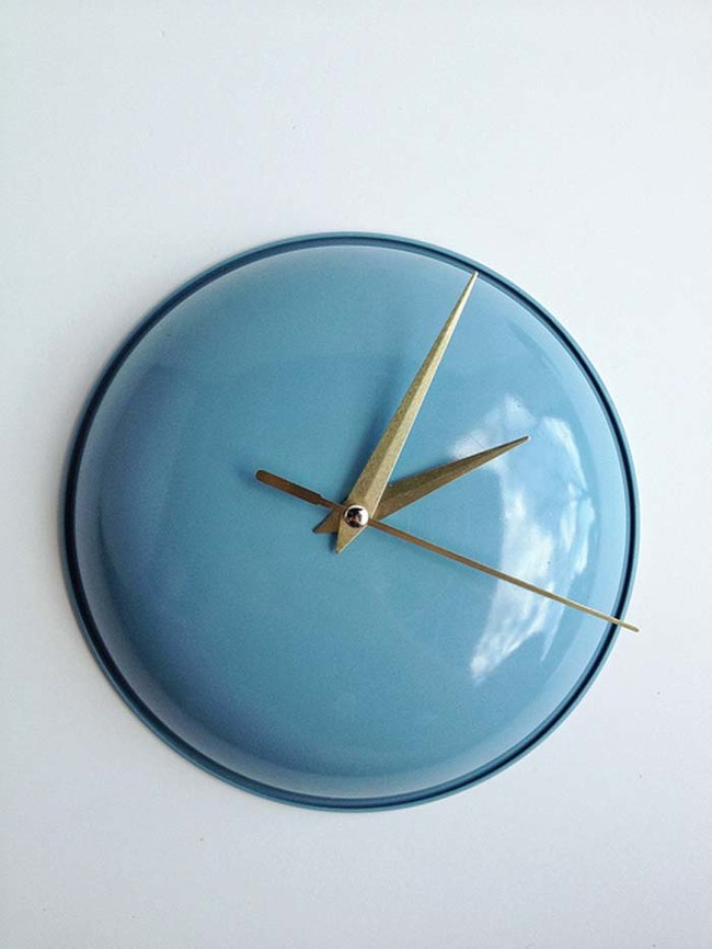 old pot cover clock